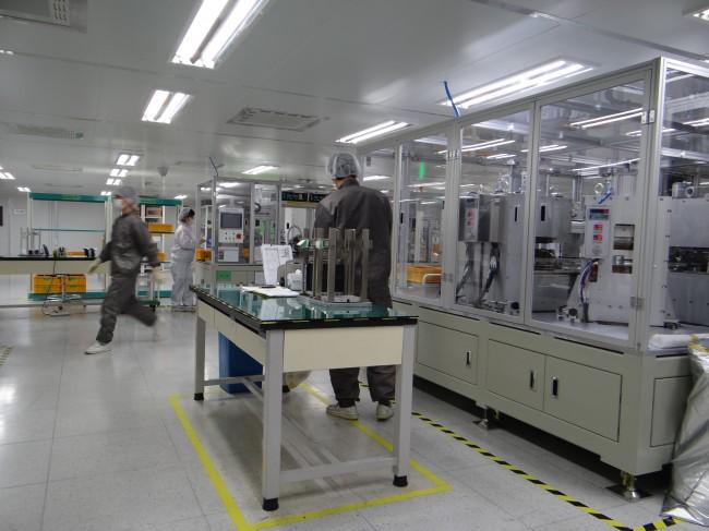 리튬인산철전지를 생산하는 탑전지의 이천 공장 내부 모습. - 이충환 제공